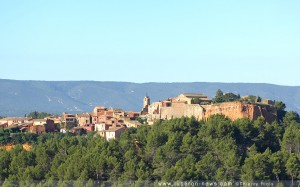 The very scenic village of Roussillon in the Luberon, Provence