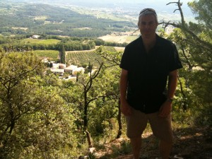 Gary Gubbins climbes the hill above Domaine des Anges