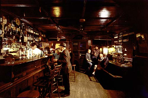 interior_night_mccarthys